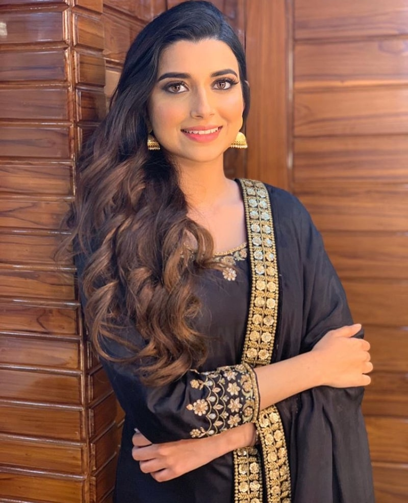 Nimrat Khaira Photos