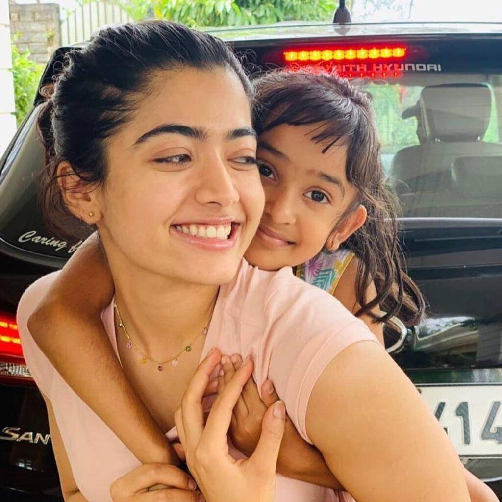 Shiman Mandanna with her sister